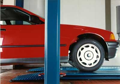 http://nusstech.w19l.t4n.io/uploads/images/geschichte/nussbaum-combi_lift_auffahrrampen.jpg